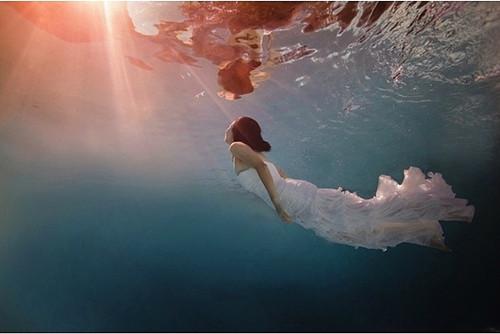 梦幻唯美:水下婚纱照