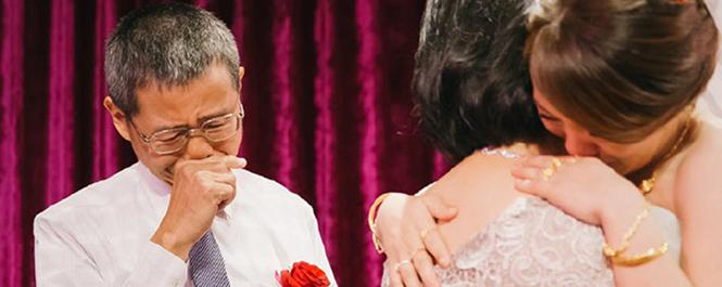 看完让人潸然泪下的婚礼照片,看第一张就哭了 
